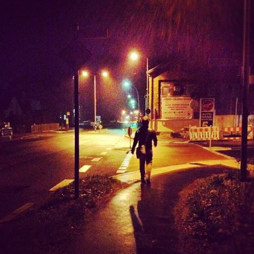 Streetlights #night #late #streetlights #streets #lights #road #germany (Wurde mit instagram aufgenommen)
