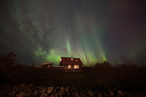 hoxe:  Northern lights by olgeir on Flickr.
