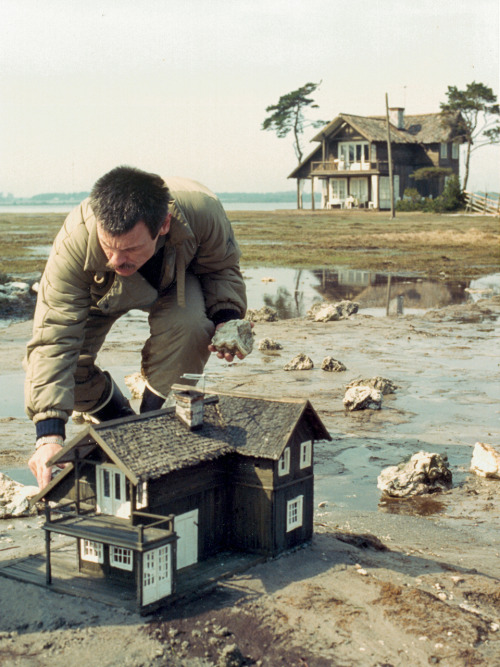 strangewood:  Andrei Tarkovsky on the set of The Sacrifice.