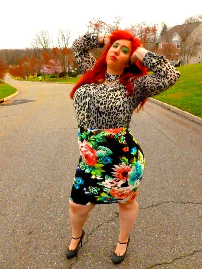 seriouscurveaddiction:  Being plus sized is about standing out, not blending in. Please check out my plus size fashion blog: http://psitsfashion.com/  one day!!!! #mixingprintsWIN!