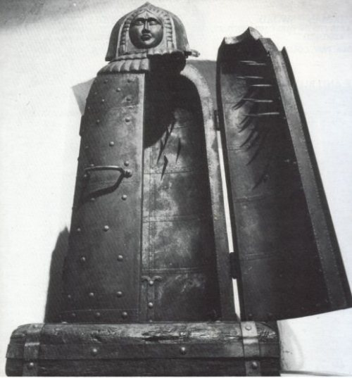 The Iron Maiden or Virgin of Nuremberg was a tomb-sized container with folding doors. The object was to inflict punishment, then death. Upon the inside of the door were vicious spikes. As the prisoner was shut inside he or she would be pierced along the length of their body. The talons were not designed to kill outright.