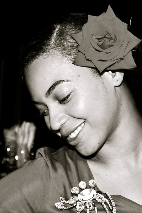 Beyonce enbodies the Great Billi Holiday!!!