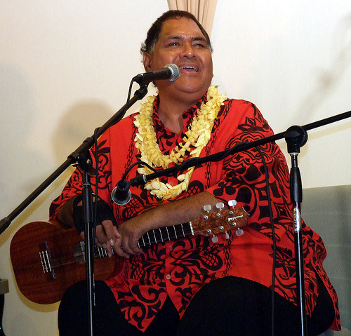anumea:  strictly-hawaiian:  Rest in paradise Kumu O'Brian Eselu. Aloha.  HIS HALAU IS FRICKIN SEXXXXYYYY