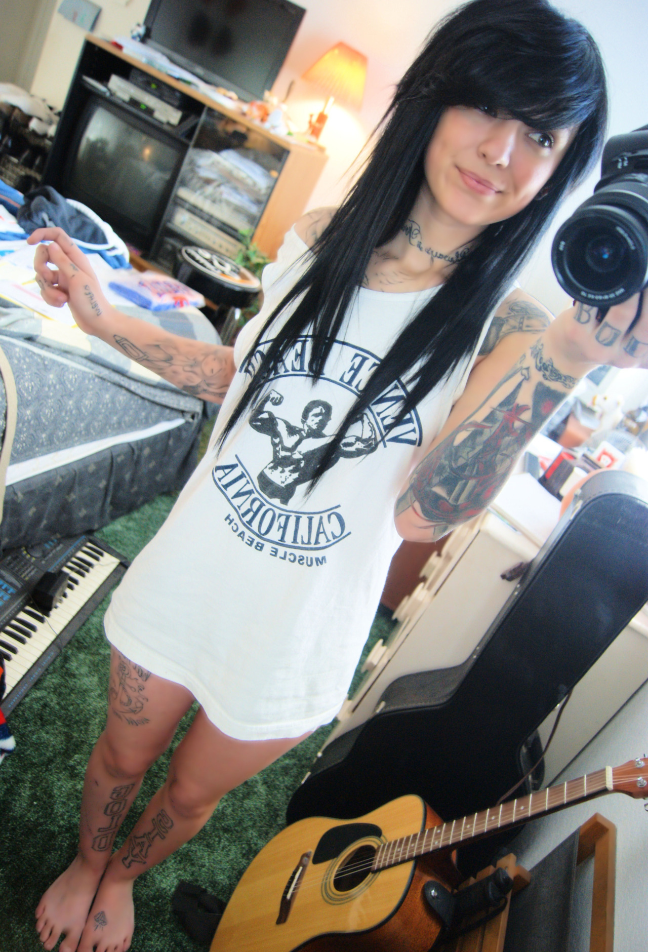 shes-cute:  jarjarbinkzz:  Good afternoon :)  Alex you should marry me<33'
