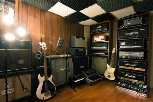 civitatedei:  gregsguitarlessons:  Amp Wall on Flickr. Courtesy of Schroeder Visuals.  Sweet fuck.   *sobs*