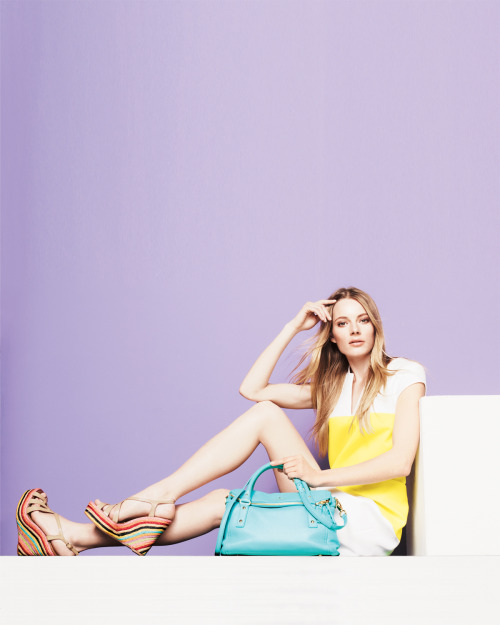 Take color to the limit – pump up the pigments head-to-toe or add a hyper-hued accent.