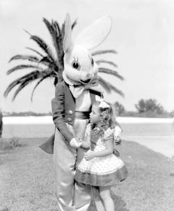 npr:  oldflorida:  Easter in Daytona Beach, 1953.  This is a little bit scary to me. — tanya b.  OH GOD, RUN AWAY LITTLE GIRL. RUN AWAY.