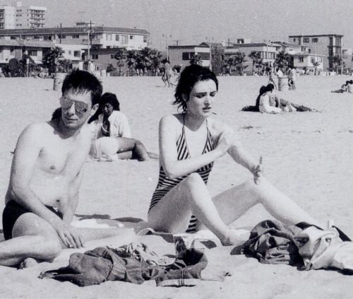 suicidewatch:  Siouxsie Sioux at the beach.