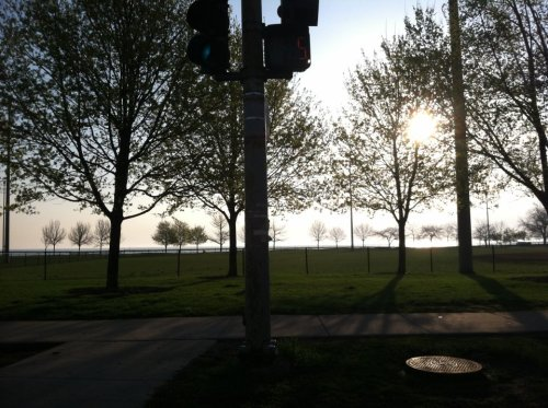 Sun rising above the Rogers Park lakefront. Click share this, on the right, to LIKE this article on Facebook or TWEET it on Twitter!