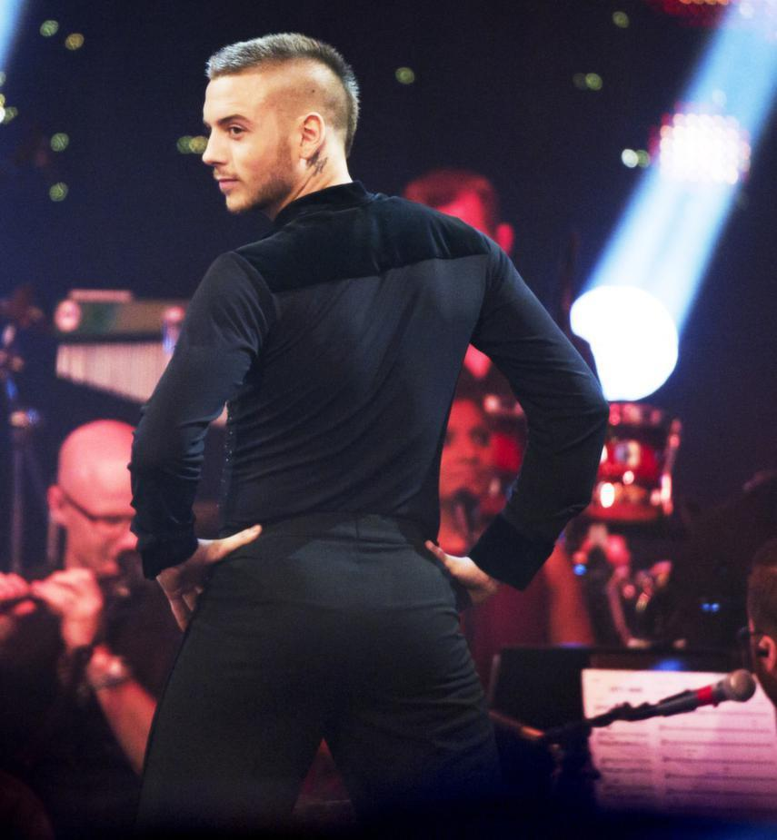 Anton Hysén dancing a cha cha cha in a TV Show, that ass is awsome…