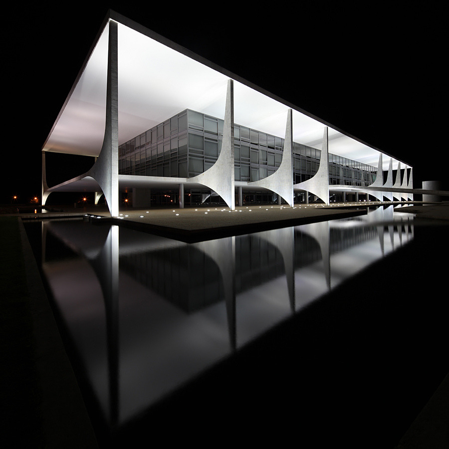 thisnewurbanity:  Palácio do Planalto | Oscar Niemeyer