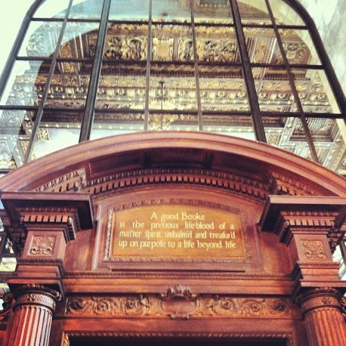 Pop quiz: who wrote the quote above the door to the Rose Main Reading Room? carmina:  Library day. #NYC #nypl #quote #art #library (Taken with Instagram at New York Public Library - Stephen A. Schwarzman Building)