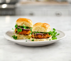 findvegan:  Sweet potato veggie sliders.   Yum!