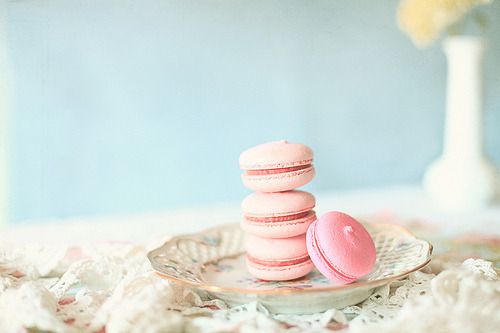 Macaroons (by krispycrunch6)