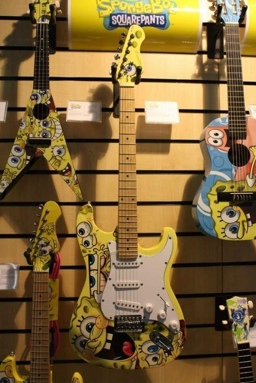 spongebobtumblrpants:  Every rocker needs a SpongeBob guitar!