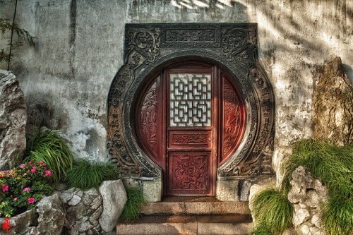 cultural-escapist:  A corner in Yu Garden, Shanghai, China 豫园一景 by William Yu Photography on Flickr.