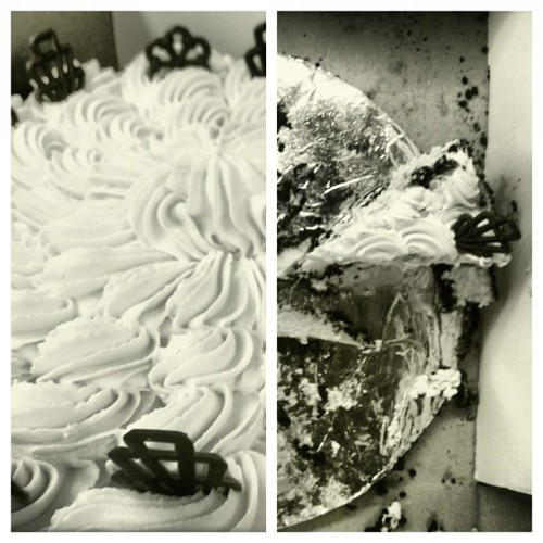 Sorry for the multiple cake pictures #LikeAFatKid (Taken with Instagram at American Greetings Interactive)