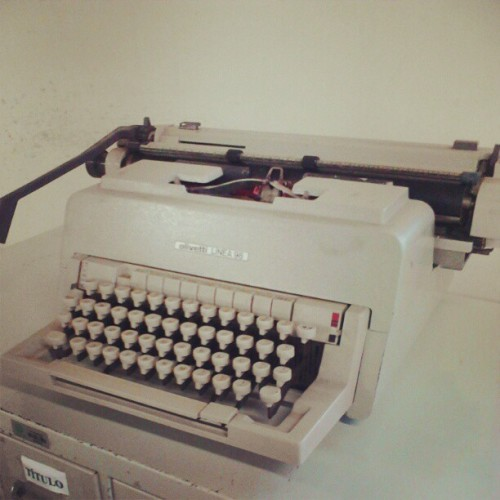 An old typewriter (Publicado com o Instagram)