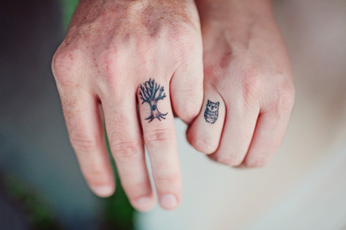easyriderr:  i want knuckle tattoos