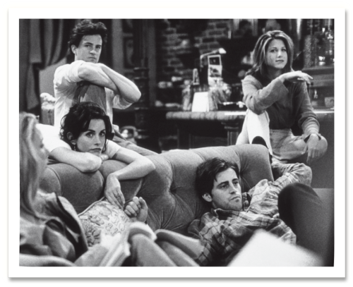 vanityfair:  Friends in 1995. More vintage cast photos, here.