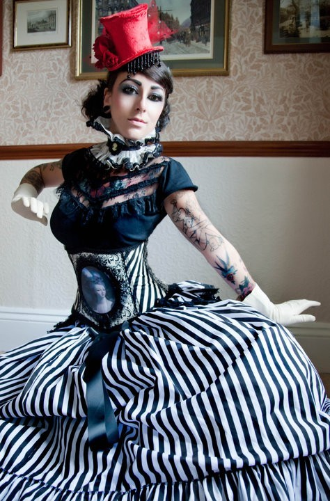 "Etsy Item of the Day: ""Carnivale Queen"" Custom B/W Steampunk Governess Skirt by Lovechild Boudoir. $100."