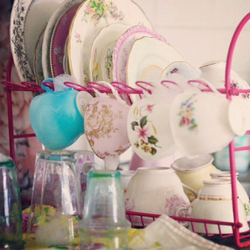 Pretty washing-up! - @selinalake- #webstagram  we love cute dishes.