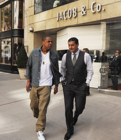 Jay was spotted outside of famed Manhattan jewelry store Jacob & Co. today on his 4th wedding anniversary, talking to owner Jacob Arabo himself.