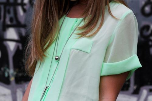 wanderlust-sophiemarieclaire:  Such a fan of this colour, good thing I have some fabric in a similar shade to this :)