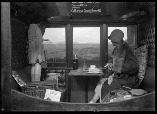 maudelynn:  Photo of the interior of a Railway Carriage   Exciting times