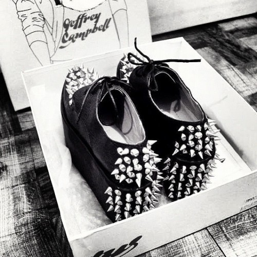 I absolutely love staring at my JEFFREY CAMPBELL: Sting Spike. 😭 Too bad I haven't worn them yet.. Been sick more than a week and I want to go out so bad to flash these babies. And definitely excited for a LOOKBOOK! A few more until I reach 300 fans! Yay! 😱 Stoked! 👌#fashion #shoes #stud #spike #studspike #jeffreycampbell #designershoes #platforms #blackandwhite #lookbook #igdaily #igaddict #haul #indie  (Taken with instagram)