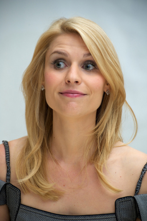 "Hello Claire Danes!  This has been a long time coming and I imagine you are just as excited as my ass is about our eventual meeting!  I really have to tell you that I think you are just cute as a fucking button and I think that we could really have a good thing going here.  I'm sure by now you're all like ""what the fuck is he hinting at?  Surely there's no way a guy like that is about to ask out some simple ole girl like me.""  Well it turns out there IS a way that would happen, because it's happening right now!  I really want you to be my girlfriend but I also want to just pause real quick right here to tell you that you really shouldn't get so down on yourself like that.  There are lots of reasons you're good enough for me and you shouldn't doubt yourself if you want to achieve your dreams.  Now back to motherfucking business.  I remember watching Romeo and Juliet back in high school and you gave me some of the best boners that I can remember having. I couldn't believe in that movie all the dumb shit Romeo kept doing that led to you guys having to off yourselves in that church or whatever.  You know I would NEVER put you through any of that shit.  First off there's no way in hell that my parents wouldn't like you, after all you've got money and you're ultra sexy.  Secondly, I'm not going to act like an asshole all over town and piss off everybody.  That may be all fine and good for some piece of shit like Romeo, but I offer nothing but great times (and greater sex).  If you wanted I could go visit you at your house and climb that fence just like him and fuck you on that balcony instead of pussing out like he did.  And also I'll make sure to use words you can understand instead of talking about making out with pilgrims and hands and shit.  I don't buy into that stupid Shakespeare talk, it's a waste of time if you ask me.  Most of the stuff that guy wrote is really shitty and everybody I know thinks it's dumb.  But then an angel like you came along and managed to make Romeo and Juliet not suck because you had really sexy tits and your acting or whatever was good.  I also watched a lot of My So called Life and that's probably where I first had an inkling that it might feel nice to enter you (vaginally).  That show was really great and I don't really want to talk about it right now because we should watch it together on Netflix and I don't want to spoil it for you.  Do you remember when you did that movie Stardust?  I do, and I thought you were so super sexy in it, way sexier than michelle pfeiffeefferfrer who kind of passed the torch (of my boner) on to you.  What it comes down to is that everything about you is so hot and you are so pretty and you could probably stand to put on a few pounds but nobody's perfect so it's okay.  I just want us to hold hands and lick each other's bodies and be so in love with each other that even when we are old we might still want to fuck each other (it's true love if old people can have sex and not throw up).  Well, Kobe, the balls in your court.  Time to nut up and shoot that three pointer of love right in the defender's face.  There's a joke about a cumshot in there but I don't really know how to say it.  I want to get married to you."