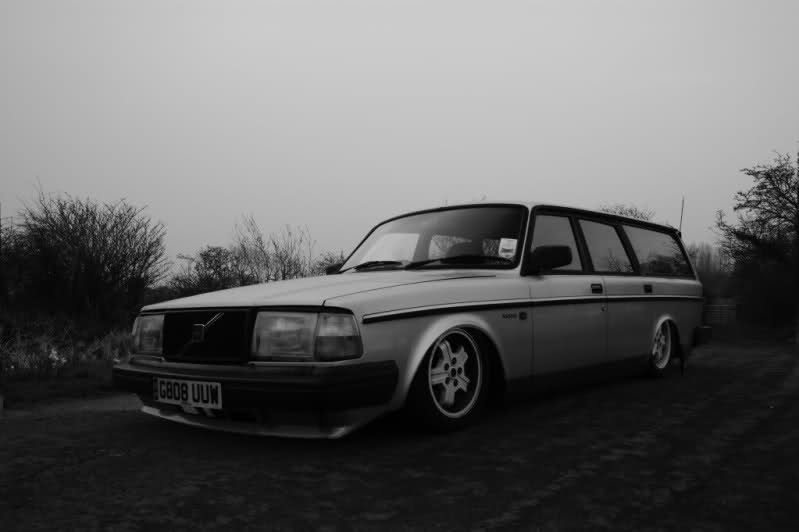 mattkingery:  TUB AND SLAM, 244 Volvo Wagon