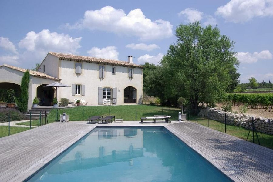 NEW TO MARKET - 4 bedroom villa for sale in Cabrieres D'Avignon, Provence, with lots of character and charm. Great views of a vineyard and the Luberon range. http://bit.ly/Hox6R6