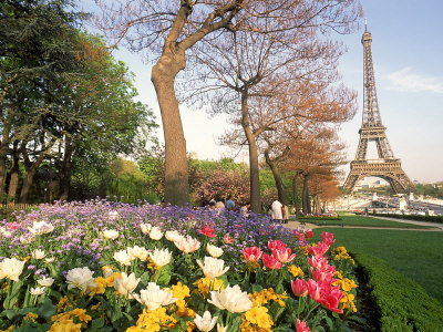 I'll have springtime in Paris someday =) *Lord willing*