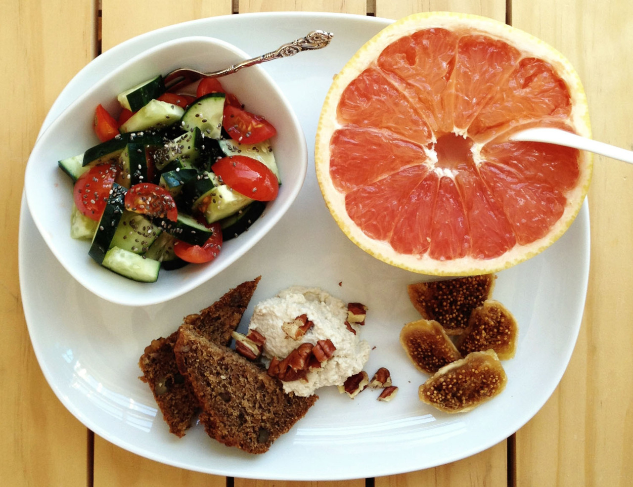 Breakfast this morning: banana bread w/ cashew cream, tomato-cucumber salad. Nice start to a day that will be full of sewing and pixel-pushing.