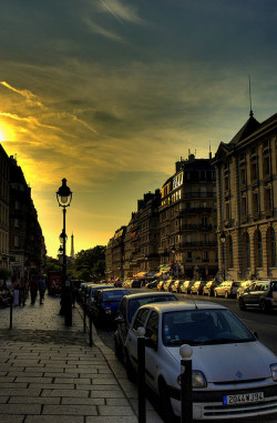 Sunset Paris by sir.Galaad on Flickr.