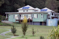 smarterplanet:  Green homes use 80 per cent less energy | Physorg.com Clever, inexpensive design can cut the energy used in new homes by up to 80 per cent, says a Queensland University of Technology (QUT) researcher.