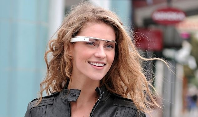 Google's Project Glass: Envisioning the business boost | Cutting Edge - CNET News Skeptical about smart glasses that would augment your visual reality with data on the fly? You should be. But it is worth pondering some potential business uses for these newfangled glasses.