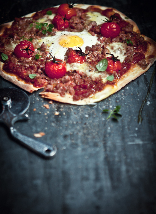 anndouleury:  Italian Sausage, Bacon, Roasted Tomato and Egg Pizza by The Grounds, in Alexandria, Sydney.