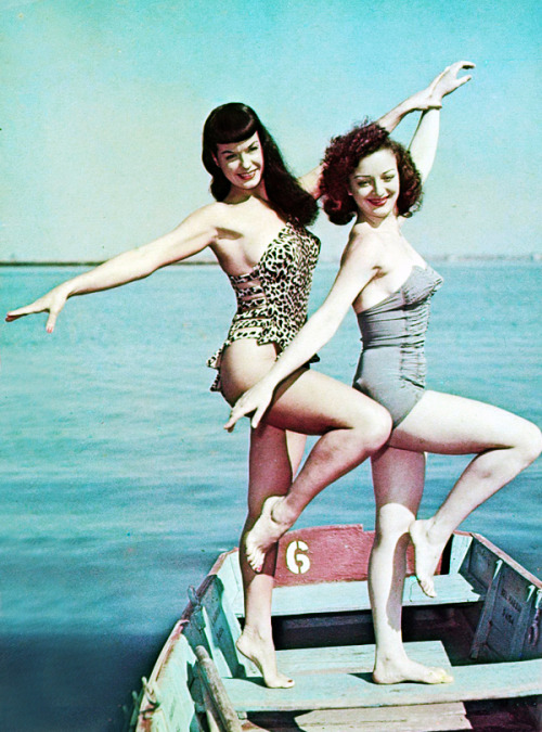 vintagegal:  Bettie Page in Florida, 1954
