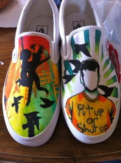 iwillalwaysloveyoujackbarakat:  OMFG! I want these shoes! They would be perf for Warped! :)  I would kill for these!!!