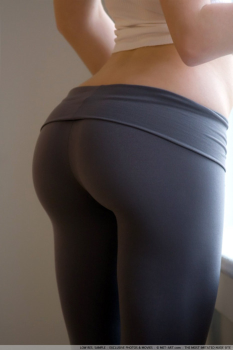 fitattitude:  perfectiontales:  wooowowowowowowowowowowowowww  I want to get a hot butt like this