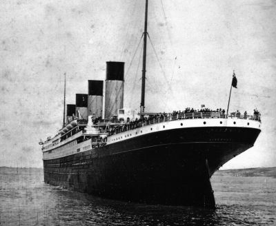 maudelynn: Titanic leaving Southampton, April 10, 1912