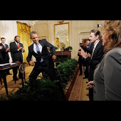 They be like Barack. What? Can you teach me how to Dougie? - Hell Nahh, Cause I'm Busy Running Countries #barack #obama #president #unitedstates #usa #whitehouse #suit #black #swag #fashion #cool #fresh #fly #dougie #dance #boondocks #riley #lol #funny #hilarious #comedy #photography #illustration (Taken with instagram)
