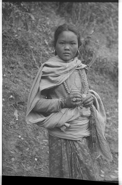 endilletante:  Rai or Sunwar girl by SOAS Digital Library on Flickr.