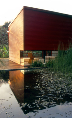 an extension to a weekend house located in valle de bravo, mexico. a project for the mexican-dutch artist jan hendrix 2005 credits co-design with bernardo gomez-pimienta           www.bgp.com.mx photography by rafael gamo           www.rafaelgamo.com