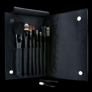 Motives 7 Piece Brush Set  Everyone knows the secret to mazing make up is a good set of brushes, Always invest these little beauties are retailing for £48, invest in a beautiful look!Enhance your makeup application with all the perfect toolsStylish, convenient, and easy-to-carry black clutch includedKeeps your brushes clean and organised. The set includes the essential brushes for your face, eyes, and lips and are made from the finest materials available using natural and synthetic bristles and out Brushes are made cruelty free!!! Message us for orders!