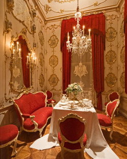 "The ""Breakfast Room"" in Schönbrunn Palace, Vienna, Austria."