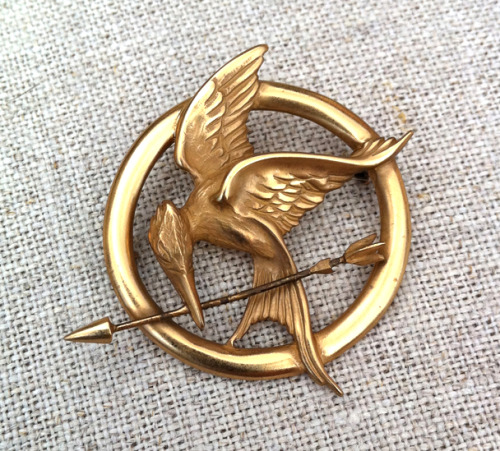 Official The Hunger Games Prop Pin - Sterling Silver Plated in 22K Gold