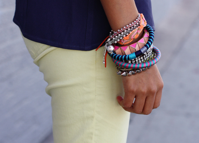 what-do-i-wear:  Jeans: American Eagle // Albeit jewelry (image: sincerelyjules)